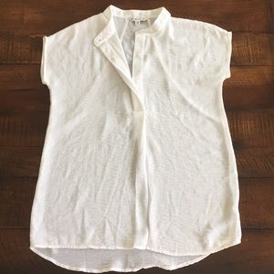 CAbi Off White Cap Sleeved Blouse Top. XS